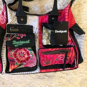 offer discounts united kingdom uk store NWT Desigual bols London Floreada Bag Cross Body NWT